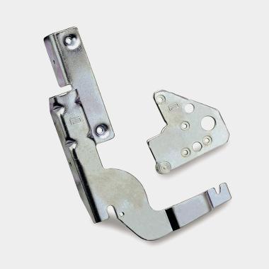 Fixed fulcrum hinges for dishwashers